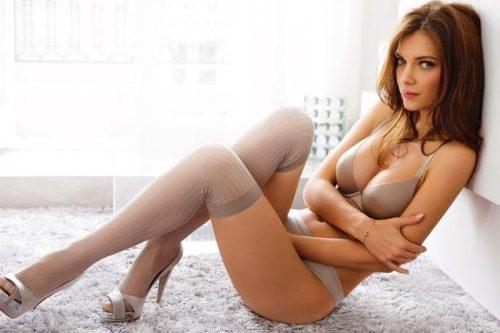 фото девушек в секси чулках