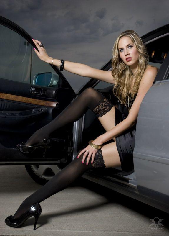 фото супер красивых девушек в мини платье в машине