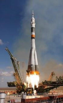 rocket-launch-67720__340.jpg