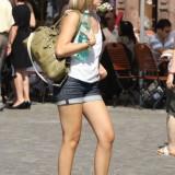 Good Looking Girls Walking In The Streets n5uhpib2zm.jpg