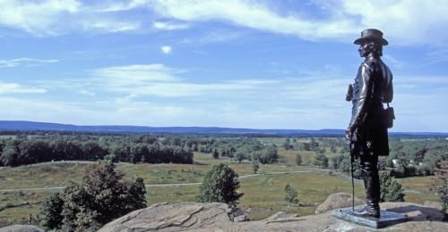statue-overlooking-gettysburg-P.jpg