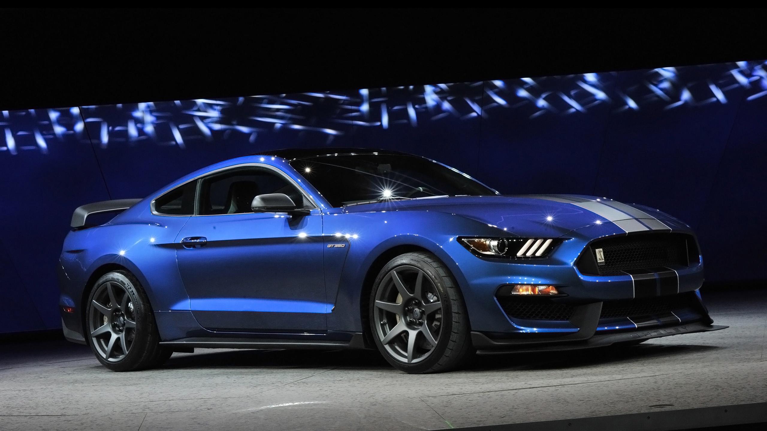 Ford Mustang (2015) цена и характеристики, фотографии...