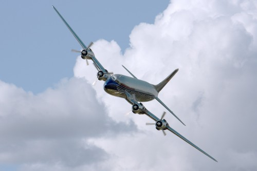 plane-409047_1920.md.jpg