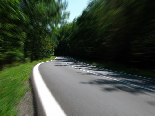 road-259815_1280.md.jpg
