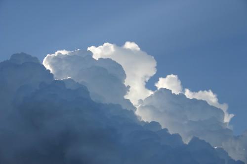 sky-414198_1920.md.jpg