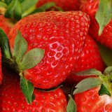 strawberries-1303374_1920.th.jpg