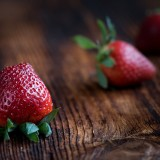 strawberries-1339969_1920.th.jpg