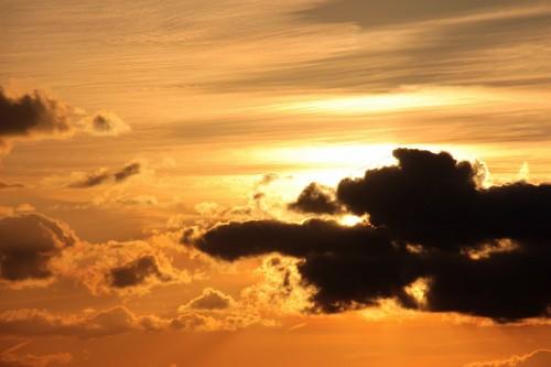 sunset-1370172_1920.md.jpg