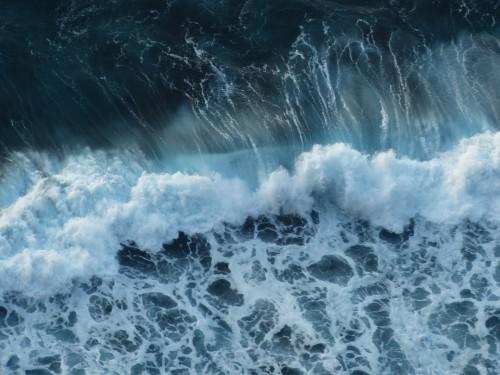 wave-384385_1920.md.jpg