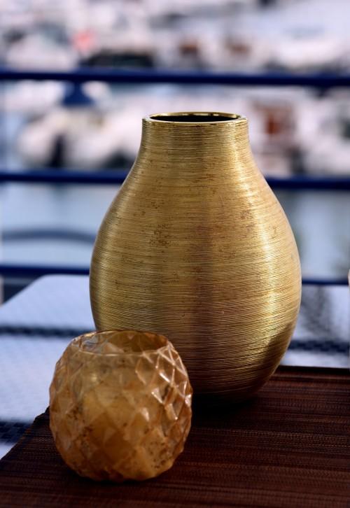 vase-711205_1920.md.jpg