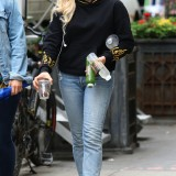 Chloe-Moretz-on-the-set-of-an-unknown-project-in-NYC-June-17-w6cl7chq4x.jpg