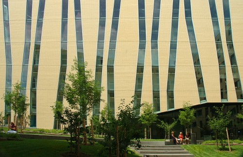 uqam-campus-windows-facade-from-entry-point.jpg